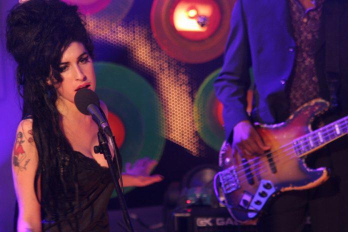 Amy Winehouse vuelve