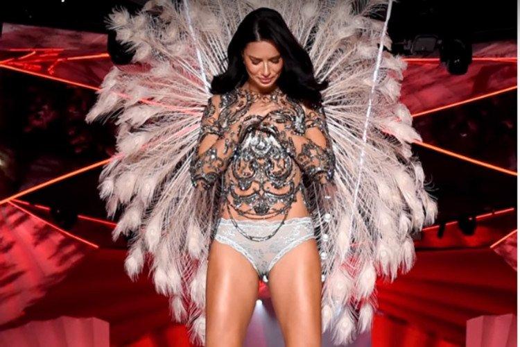 La modelo Adriana Lima