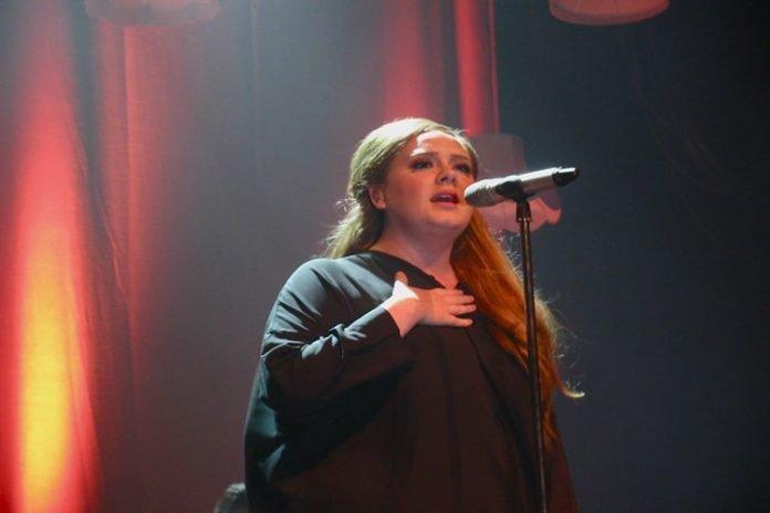Adele y Simon