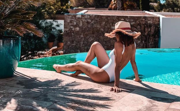 Ingrid Betancor ha disfrutado en Ibiza de unos días de desconexión junto a su marido